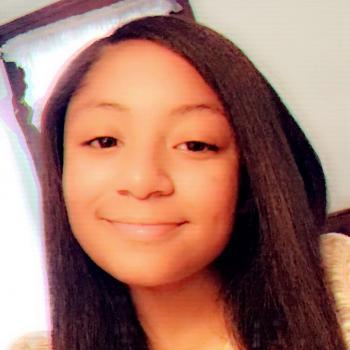 Babysitter Hamden (Connecticut): Mya