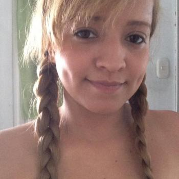 Babysitter Huelva: Monica Jazmín Gonzalez Valenci