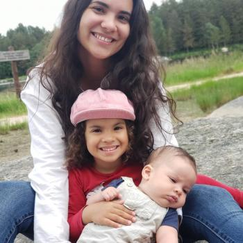Babysitter Paredes: Mariana