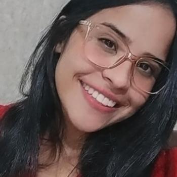 Babá Guarujá: Quézia