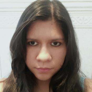 Babysitter in Brasília: Clara Leticia