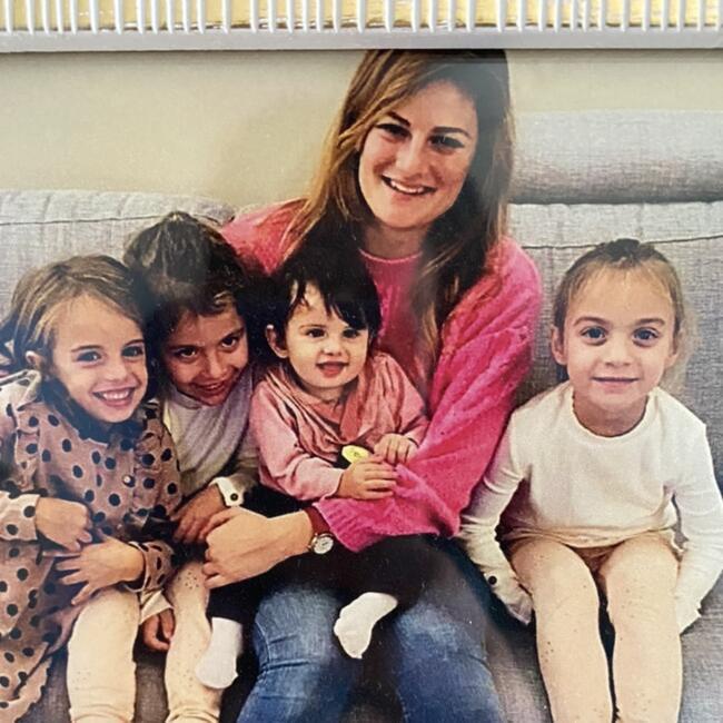 Baby-sitter in Toronto: Elisa