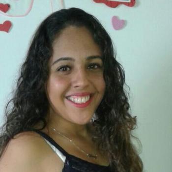 Babysitter Londrina: Gleicy Kely