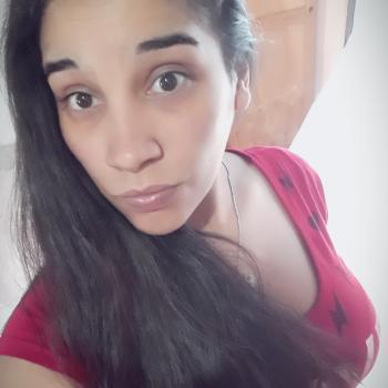 Niñera Bernal: Yanina