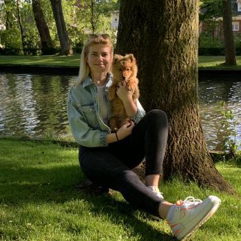Nanny Brugge: Laura