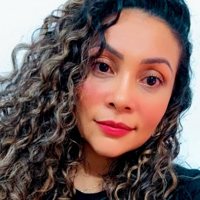 Babá em Fortaleza: TATIANE