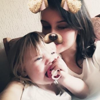 Babysitter Monaghan: Janine