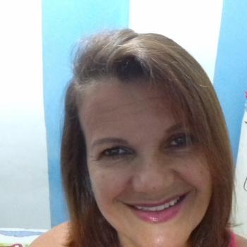 Babysitter Lisbon: Janice