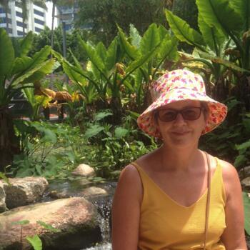 Babysitter in Dunedin: Julie
