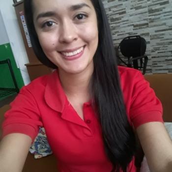Babysitter in Isla de Tibás: Angélica