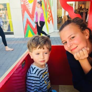 Babysitter a Milano: Hannah-Marie