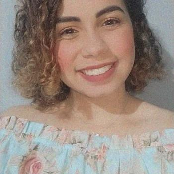 Babysitter in Foz do Iguaçu: Larissa