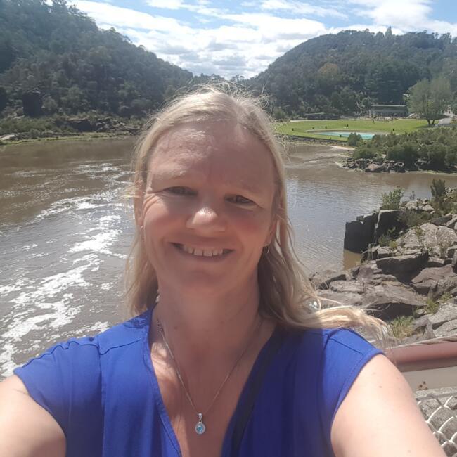 Babysitter in Ballarat: Joanne