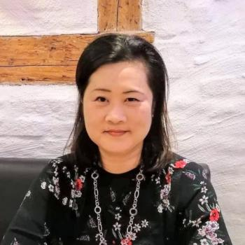 Babysittere i Virum: Akiko