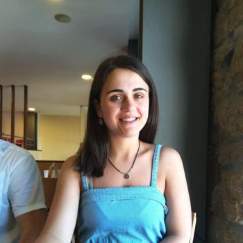 Babysitter Oliveira do Bairro: Bruna