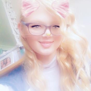 Babysitter Bradford: Alisha Mya