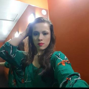 Babá em Joinville: Charlene