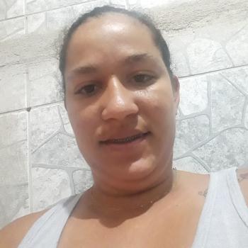 Babysitter Recife: Juliana