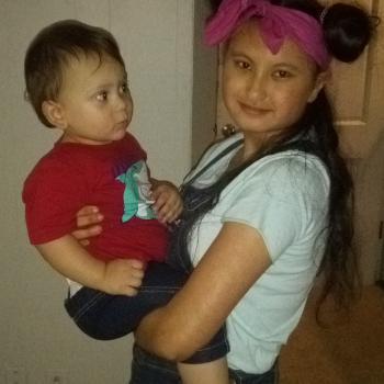 Babysitter Wichita: Selena