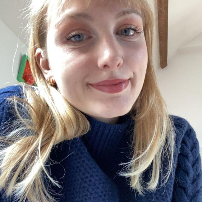 Baby-sitter in Nice: Julie