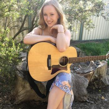 Babysitter Canberra: Emma