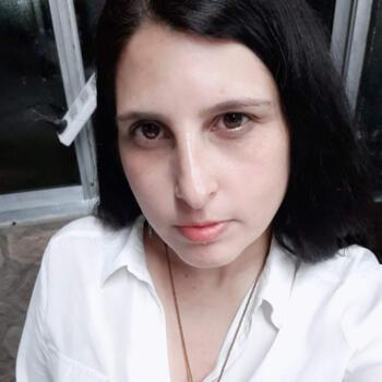 Niñera La Plata: Lorena