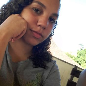 Babá Vila Velha: Layani