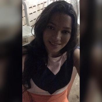 Babá Niterói: Débora Nunes