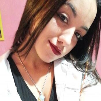 Babysitter in San Carlos: Camila
