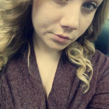 Babysitter Calgary: Breanna
