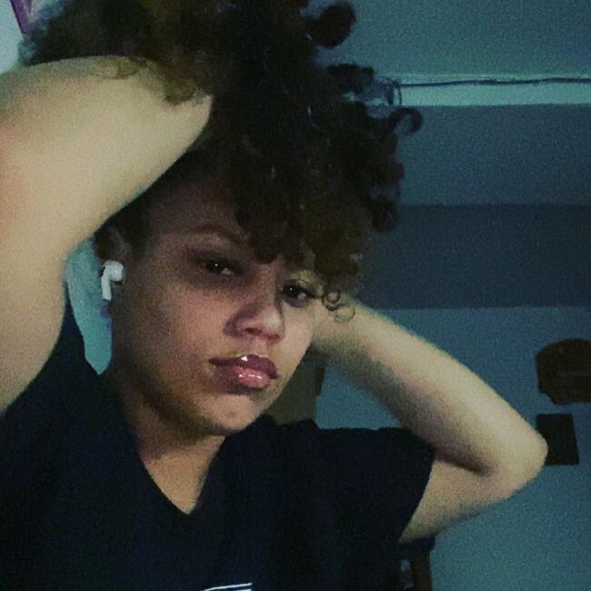Babysitter in The Bronx: Erida
