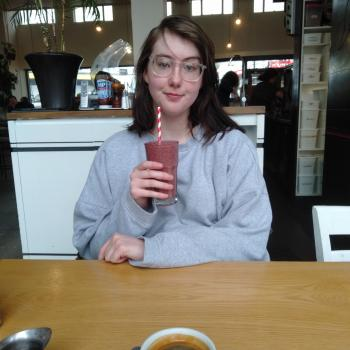 Babysitter in Dunedin: Hazel