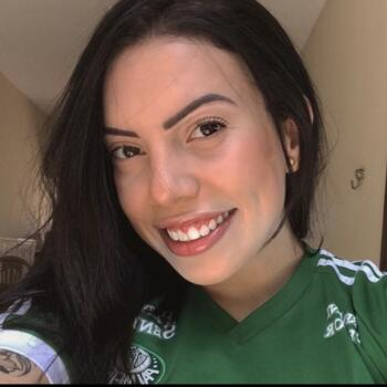 Babysitter in Maringá: Bianca