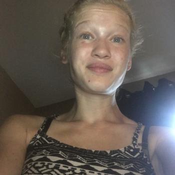 Baby-sitter Niagara Falls: Alicia