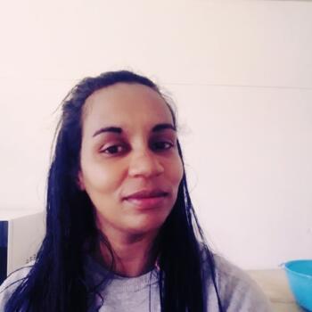 Babysitter in Criciúma: Shabelly evaristo