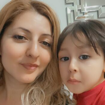 Babysitter in Los Angeles: Lilia