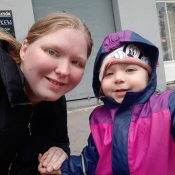 Babysitter in Budapest: Adrienn