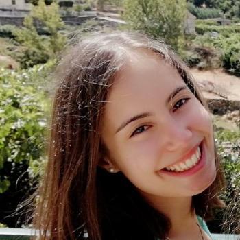 Babysitter em Rio Tinto: Ana