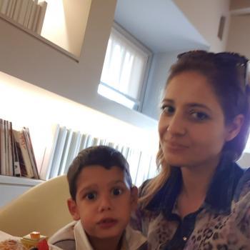 Babysitting job Adro: babysitting job Marinela