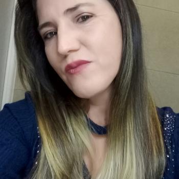 Babysitter Barreiro: Loreni de Oliveira