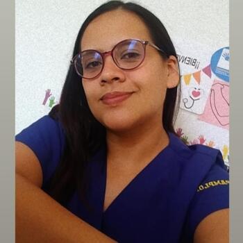 Babysitter in Floridablanca: Libia