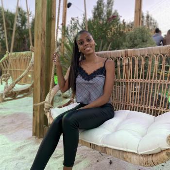 Baby-sitter Launaguet: Gnina
