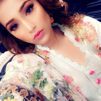 Babysitter Bradford: Anisa