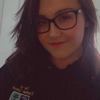 Babysitter in Pershore: Eleanor