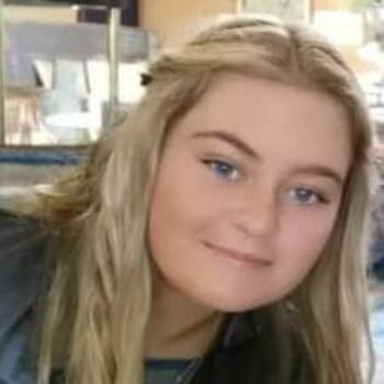 Babysitter in Carrickfergus: Aimee