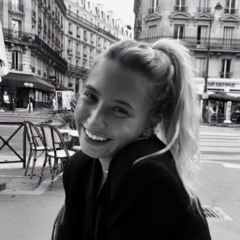 Baby-sitter in Versailles: Irina