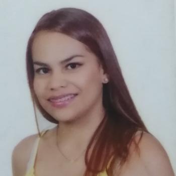 Niñera Bello: Eyllin