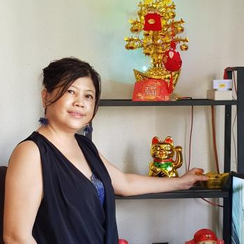Babysitter in Singapore: Diana