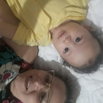 Emprego de babá em Ferraz de Vasconcelos: emprego de babá Francielen