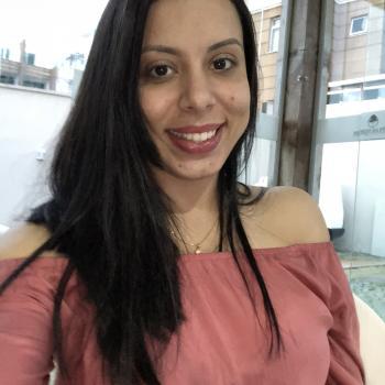 Emprego de babá Belo Horizonte: emprego de babá Jasmine